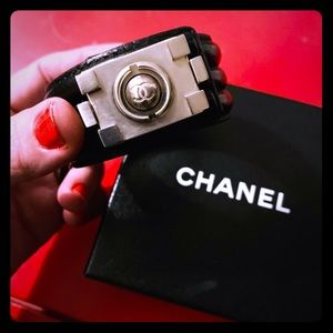 ◼️ Chanel leather cuff bracelet ◼️